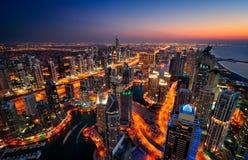 Orizzonte variopinto maestoso del porticciolo della Dubai durante il tramonto Porticciolo della Doubai, Emirati Arabi Uniti Fotografia Stock Libera da Diritti