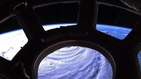Orkaan Florence, satellietmeningsvideo door de patrijspoort stock video