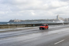 Orkan på El Malecon i havannacigarr Royaltyfri Fotografi