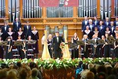 Orkester på stor festaftonen arkivbilder