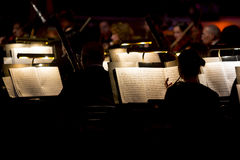 Orkestersymfonimörker arkivfoton