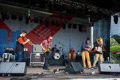 1/2 orkiestry grupa wykonuje przy Usadba festiwalem jazzowym Zdjęcia Stock