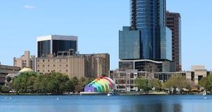 Orlando Downtown City Skyline From sjön Eola parkerar Orlando stock video
