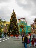 Orlando, Etats-Unis - 3 janvier 2014 : Les pavillons de montagnes russes et de jeu en parc Les studios universels est un d'Orland Images stock