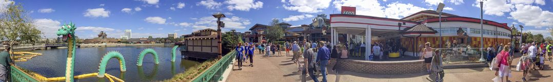 ORLANDO, FL - FEBRUARY 2016: Tourists visit city amusement park. royalty free stock photography
