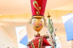 ORLANDO, FLORIDA, DE V.S. - DECEMBER, 2018: Kleurrijke Kerstmisdecoratie bij Wandelgalerijwandelgalerij bij Millennia royalty-vrije stock foto
