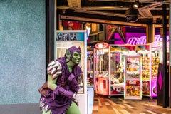 ORLANDO, FLORIDA, DE V.S. - DECEMBER, 2018: Norman Osborn, de Groene Kobold, Spiderman-vijand, verwondert zich Super Heldeneiland royalty-vrije stock fotografie