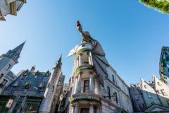 ORLANDO, FLORIDA, EUA - EM DEZEMBRO DE 2017: O mundo de Wizarding aleia em estúdios universais, Florida Diagon do †de Harry Pot imagem de stock royalty free