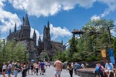 ORLANDO FLORIDA - MAJ 06, 2015: Hogwarts i universella Orlando, Florida Royaltyfria Foton