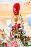 ORLANDO, FLORIDA, U.S.A. - DICEMBRE 2018: Decorazione variopinta di Natale al centro commerciale del centro commerciale ai millen fotografia stock