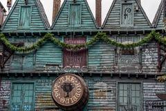 ORLANDO FLORIDA, USA - DECEMBER, 2018: Den hoppa krukan i den Wizarding världen av Harry Potter på Universal Studios royaltyfria foton