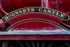 ORLANDO FLORIDA, USA - DECEMBER, 2017: Den Wizarding världen av Harry Potter - stationen och plattformen Hogwarts för uttryckligt arkivfoto
