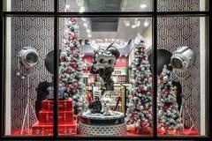 ORLANDO, FLORIDA, USA - DEZEMBER 2017: Betty Boop Cartoon Character in einem Shop Fenster-Anzeigen-Weihnachten verziert bei Unive stockfotos
