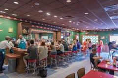 ORLANDO FLORYDA, MAJ, - 06, 2015: Simpsons restauracja w Ogólnoludzkim Orlando, Floryda Fotografia Stock