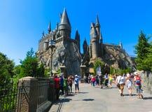 Orlando, Floryda, usa - Maj 09, 2018: Hogwarts kasztel przy Wizarding światem Harry Poter w przygody wyspie Zdjęcie Stock