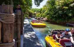 Orlando, Floryda, usa - Maj 09, 2018: Jurassic Park Rzeczna przygoda w Jurassic Park terenie cechy ogólnej wyspa Obrazy Stock