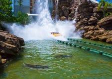 Orlando, Floryda, usa - Maj 09, 2018: Jurassic Park Rzeczna przygoda w Jurassic Park terenie cechy ogólnej wyspa Obraz Stock