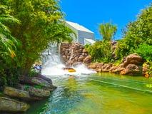 Orlando, Floryda, usa - Maj 09, 2018: Jurassic Park Rzeczna przygoda w Jurassic Park terenie cechy ogólnej wyspa Fotografia Stock