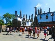 Orlando, Floryda, usa - Maj 09, 2018: Ludzie iść przy Wizarding światem Harry Poter Obraz Stock