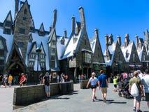 Orlando, Floryda, usa - Maj 09, 2018: Ludzie iść przy Wizarding światem Harry Poter Zdjęcia Stock