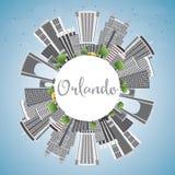 Orlando Skyline con Gray Buildings, el cielo azul y el espacio de la copia Imágenes de archivo libres de regalías