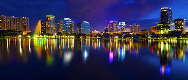 Orlando Skyline Lake Eola Imagem de Stock Royalty Free