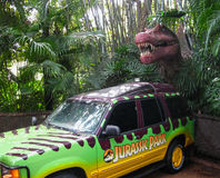 Orlando, Stati Uniti d'America - 2 gennaio 2014: Traccia del dinosauro al parco a tema di Florida degli studi universali Immagini Stock