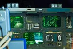 Cockpit av den original- rymdfärjautforskaren Royaltyfri Foto