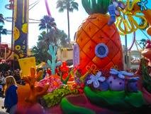 Orlando, usa - Styczeń 03, 2014: Ludzie przy karnawałem w parku Universal Studio są jeden Orlando ` s sławny temat Obrazy Stock