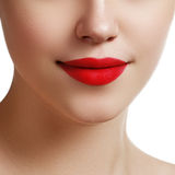 Orli sexy Dettaglio rosso di trucco delle labbra di bellezza Bei clos di trucco immagini stock