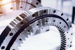 Orlo del metallo con sistema d'ingranaggi interno Dettaglio per un motore di automobile immagini stock libere da diritti