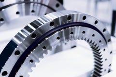 Orlo del metallo con sistema d'ingranaggi interno Dettaglio per un motore di automobile fotografia stock