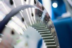 Orlo del metallo con sistema d'ingranaggi interno Dettaglio per un motore di automobile immagini stock