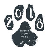 Orma isolata disegnata a mano nera del cane Illustrazione dell'inchiostro di lerciume illustrazione vettoriale