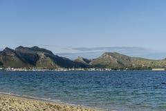 Orme sulla spiaggia dell'isola di Ibiza in Spagna, la festa ed in Unione Sovietica Immagine Stock Libera da Diritti