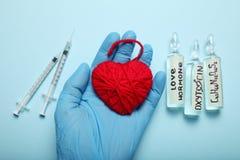 Ormone di amore, ossitocina di biochimica Amore e cuore immagini stock libere da diritti