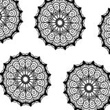 Ornament van de mandala decoratieve werveling van patroon het zwart-wit bloemen stock illustratie