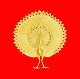 Ornament van goud geplateerde uitstekende bloemen, Pauwgipspleister van gouden p Royalty-vrije Stock Afbeeldingen