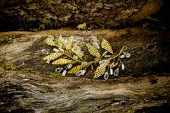 Ornament voor kapsel van de hoepel het zilveren en gouden stenen van de haarkroon stilerende met de hand gemaakte haarspeld Bijou royalty-vrije stock fotografie