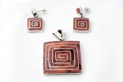 Ornamentación hermosa, brillante de los incas antiguos Es hecho por los artistas modernos fotografía de archivo