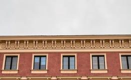 Ornamentacyjna fasada stary historia budynek, tenement na Starym miasteczku fotografia royalty free