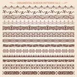 Ornamentacyjnej granicy ramowej linii rocznik deseniuje 3 wektor Ilustracji