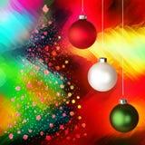 Ornamenti & albero bianchi, rossi & verdi di natale Fotografie Stock