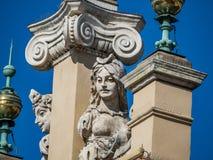 Ornamenti barrocco su un tetto Fotografie Stock