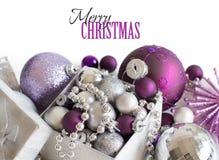 Ornamenti d'argento e porpora di Natale Fotografia Stock Libera da Diritti