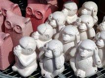 Ornamenti del giardino della scimmia e del gufo Fotografie Stock Libere da Diritti