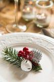 Ornamenti di Natale per la regolazione della tavola Fotografie Stock Libere da Diritti