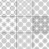 Ornamenti floreali grigi e bianchi Accumulazione dei reticoli senza giunte Fotografie Stock Libere da Diritti