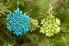 Ornamenti a forma di di Natale del fiocco di neve Immagini Stock Libere da Diritti