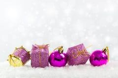 Ornamenti viola di natale Fotografia Stock Libera da Diritti